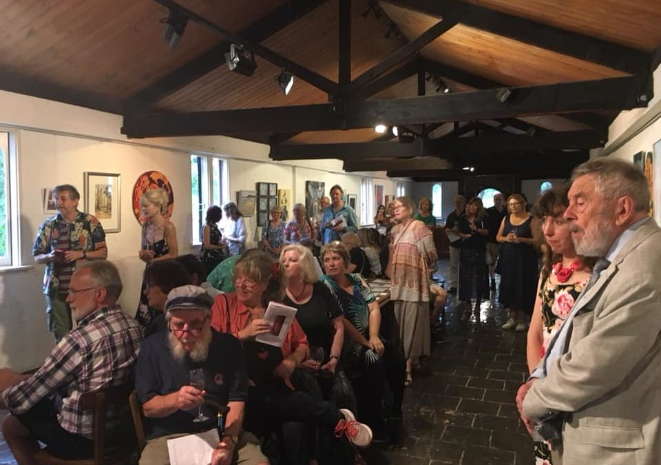 Artists and Art Lovers dig deep for Bushfire Relief